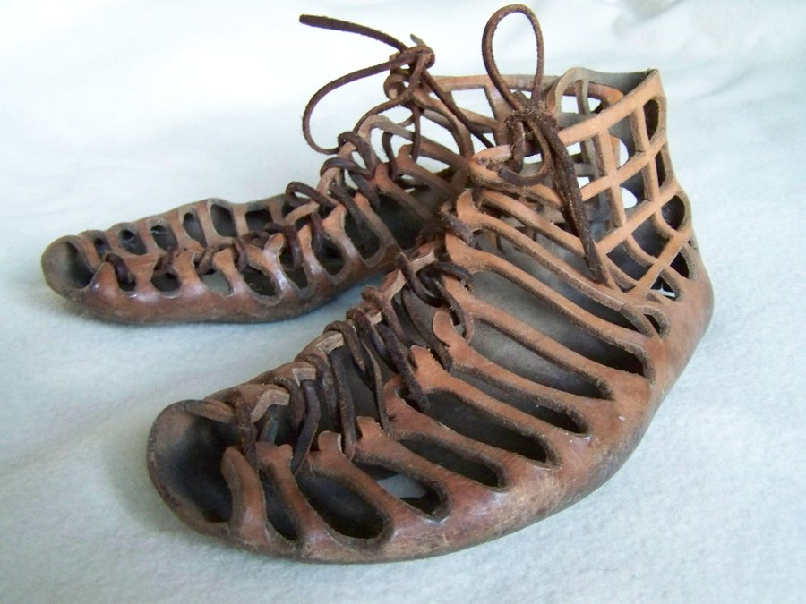 The Roman Footwear of Vindolanda